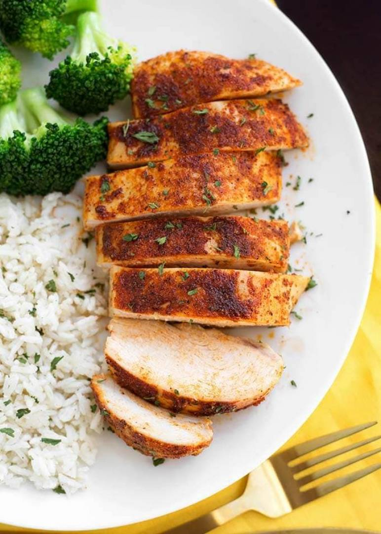 Macro Meal: Cajun Chicken & White Jasmine Rice  | Served with Broccoli