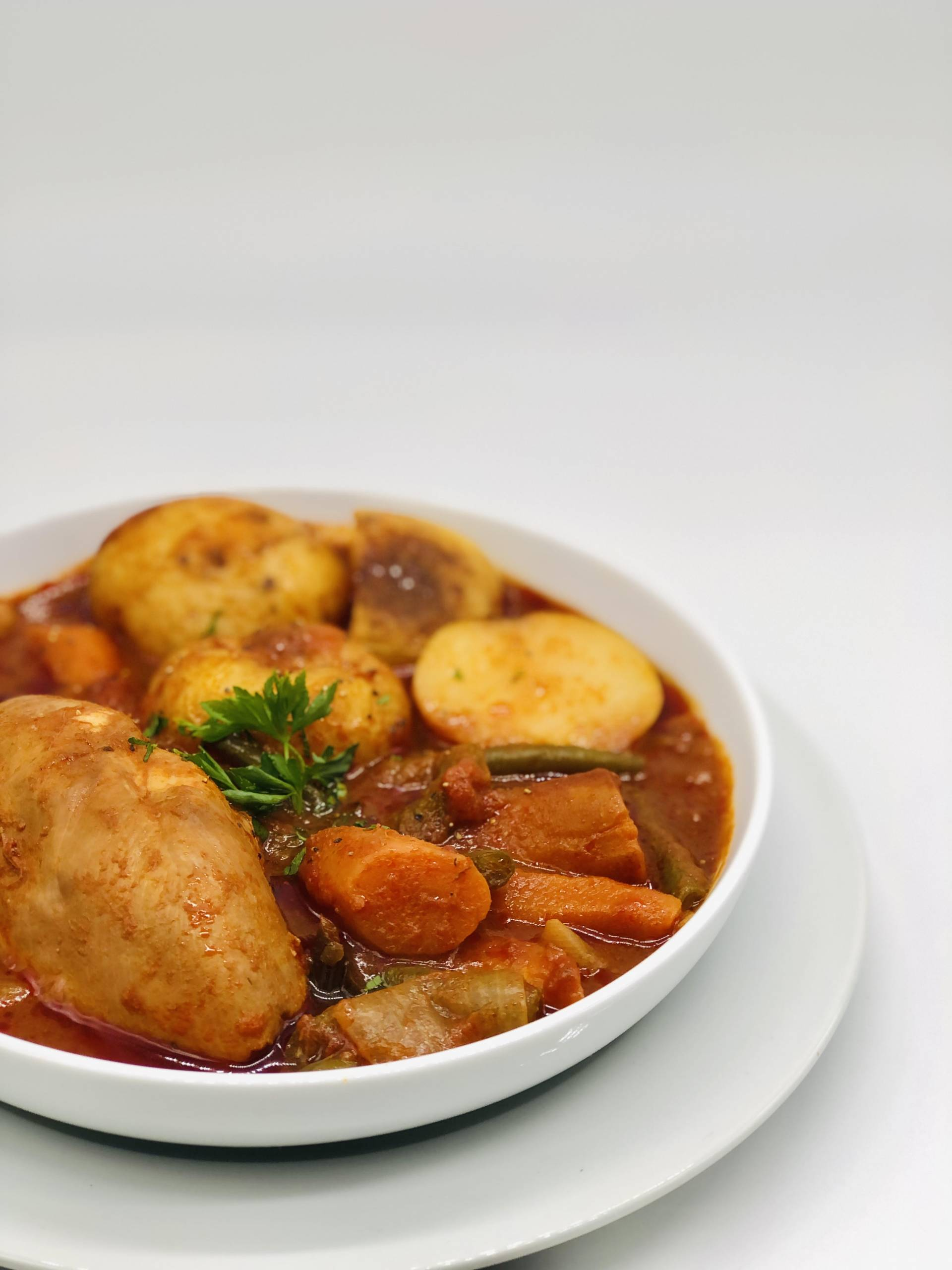 Hunter-Style Chicken| Served with Braised Vegetables and Potatoes